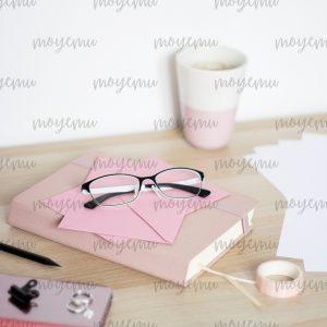 Girly Pink Workspace 09 | Bank zdjęć Moyemu - zdjęcia dla Twojego bloga i biznesu
