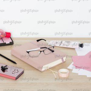 Girly Pink Workspace 10 | Bank zdjęć Moyemu - zdjęcia dla Twojego bloga i biznesu