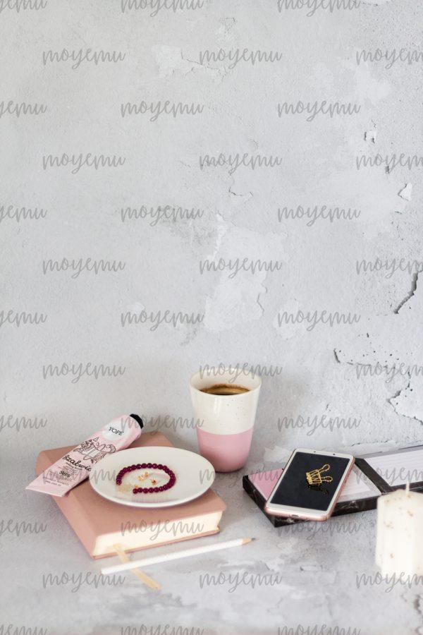 Girly Pink Workspace 03 | Bank zdjęć Moyemu - zdjęcia dla Twojego bloga i biznesu